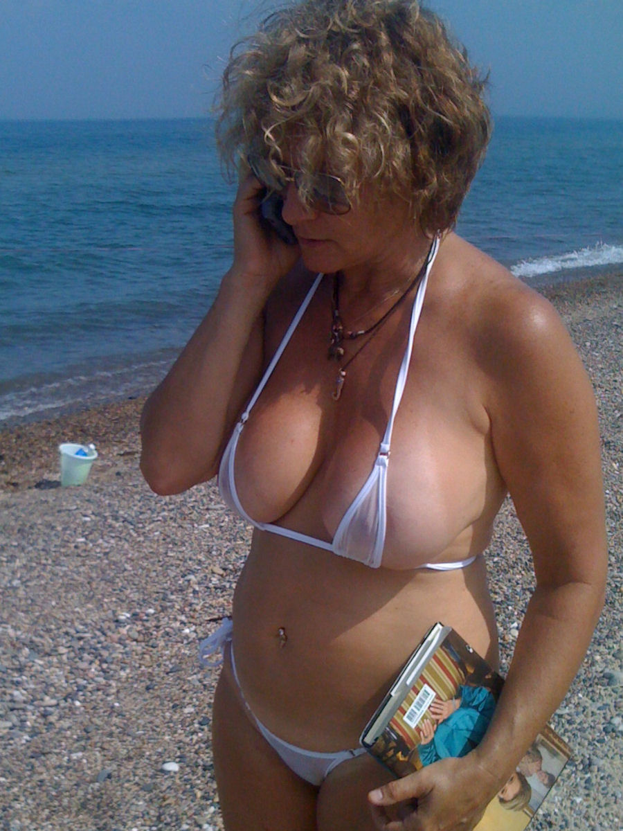Mature wives in bikinis