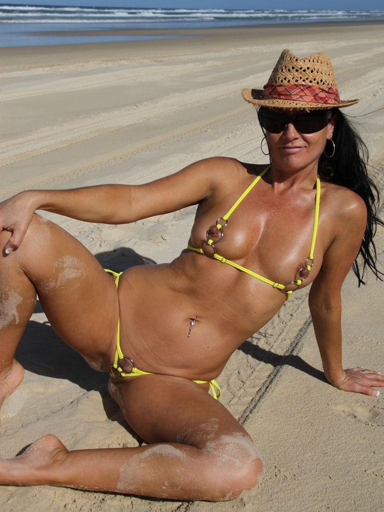 extreme nude beach