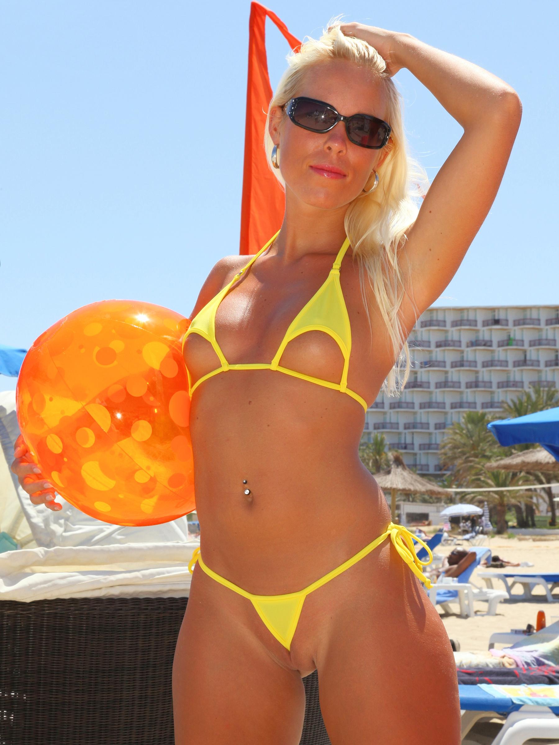 extreme-nude-bikini